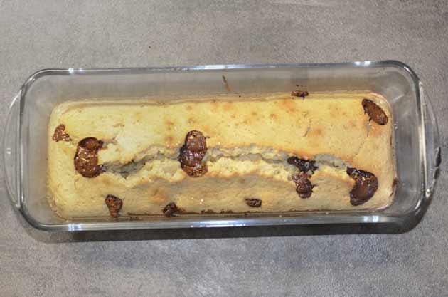 Gâteau d'anniversaire à cuisiner avec des enfants à l'amande, à la vanille et au chocolat