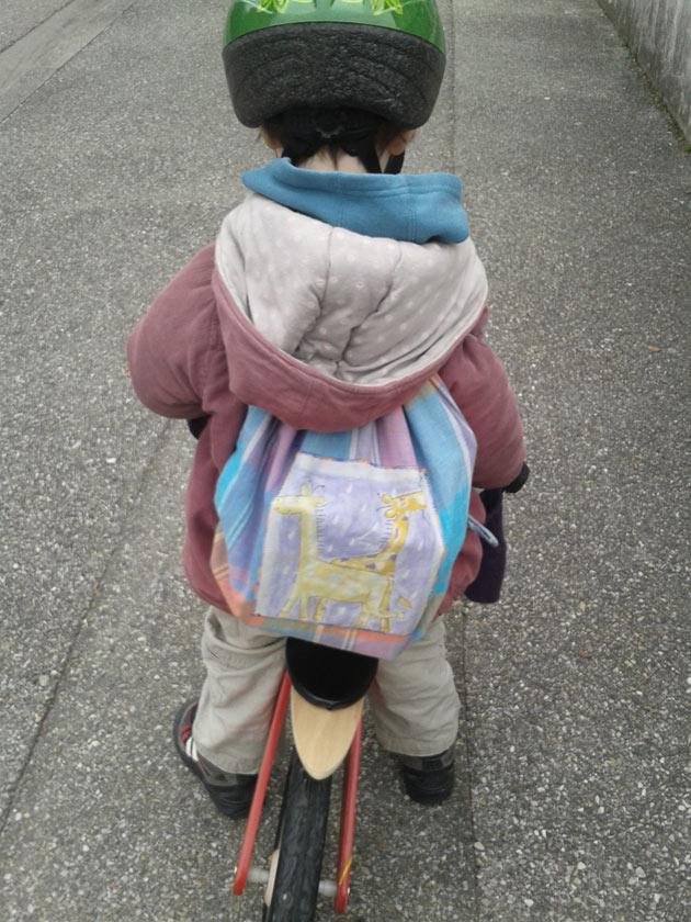 Sac à dos pour transporter les livres de la bibliothèque