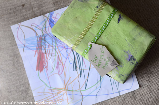 Une idée si tu as trop de dessins de tes enfants pour tout garder