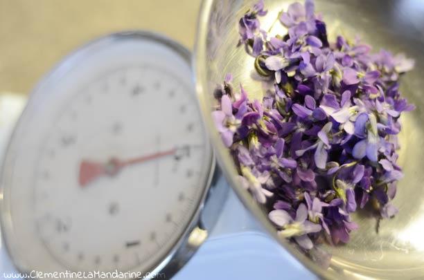 Sucre aromatisé à la violette fait maison, 100% naturel