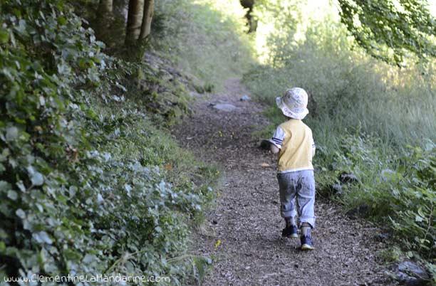 La promesse de partir à l'aventure dans la nature se ressourcer